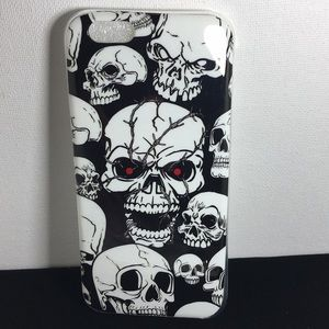 Other - iPhone 6 Glow-in-the-Dark Skull Case